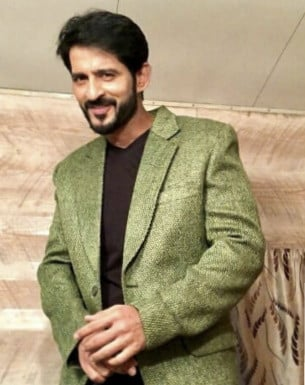 Get a Celebrity Shoutouts from Hiten Tejwani