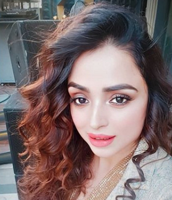 Get a Celebrity Shoutouts from Parul Chauhan