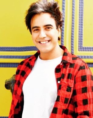 Get a Personalized Celebrity Video Message from Karan Oberoi