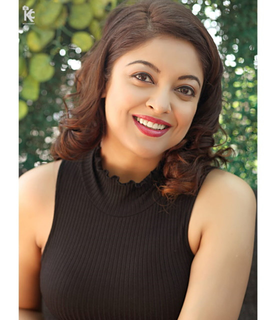 Get a Celebrity Greetings from Tanushree Dutta