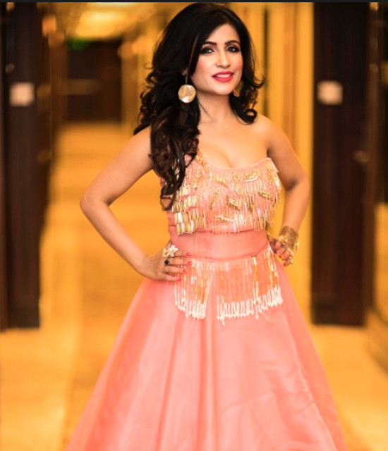 Get a Personalized Celebrity Video Message from Shibani Kashyap