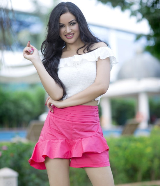 Get a Celebrity Greetings from Maryam Zakaria