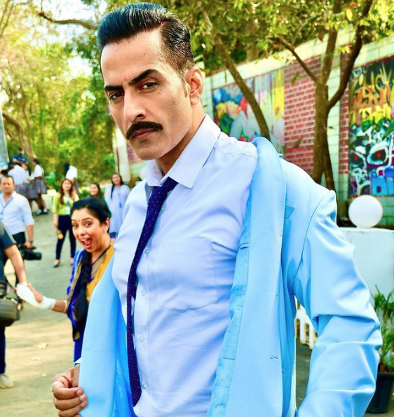 Get a Celebrity Greetings from Sudhanshu Pandey