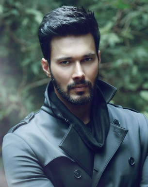 Get a Celebrity Greetings from Rajniesh Duggall