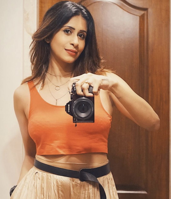 Surprised your loved ones with Celebrity Video Greetings from Kishwer Merchant