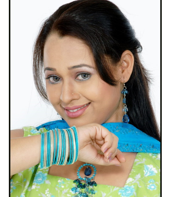 Book your personal messages, video celebs with Bollywish Sonalika Joshi