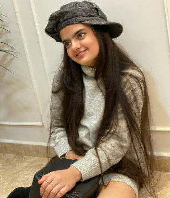 Book your personal messages, video celebs with Bollywish Ruhanika Dhawan