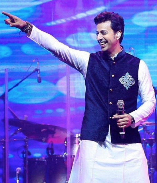 Book your personal messages, video celebs with Bollywish Salim Merchant